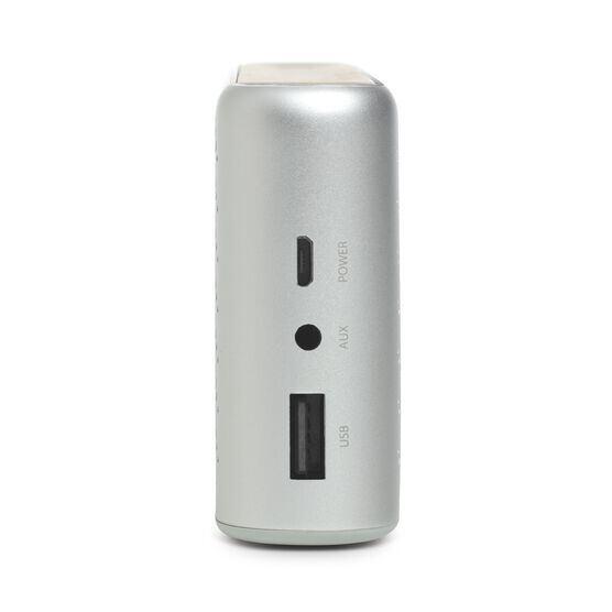 Traveler - Silver - All-in-one travel speaker - Detailshot 1